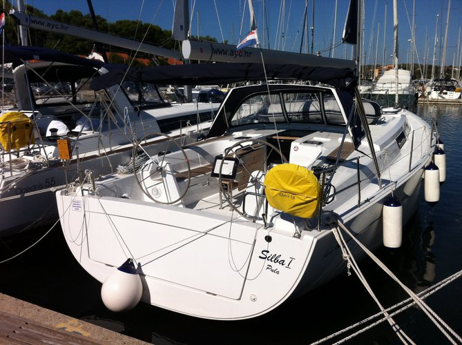 Get on the water and enjoy Dubrovnik in style on our Hanse Yachts Hanse 445