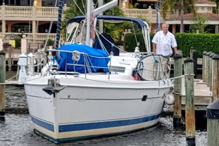 46.0 feet Hunter Marine in great shape
