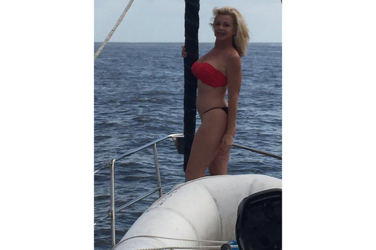 Discover Miami Beach surroundings on this Passsge 450 Hunter Marine boat