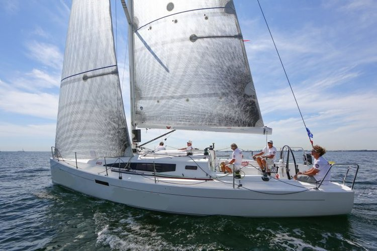 Monohull boat for rent in Auckland