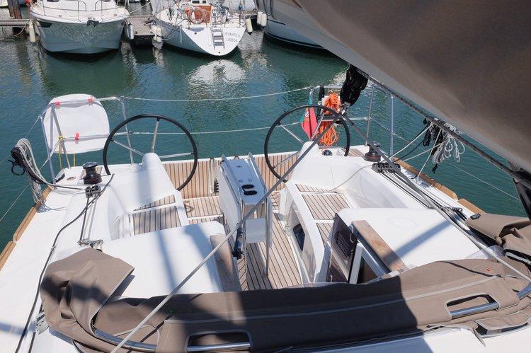 Jeanneau's 349.0 feet in Alcantara