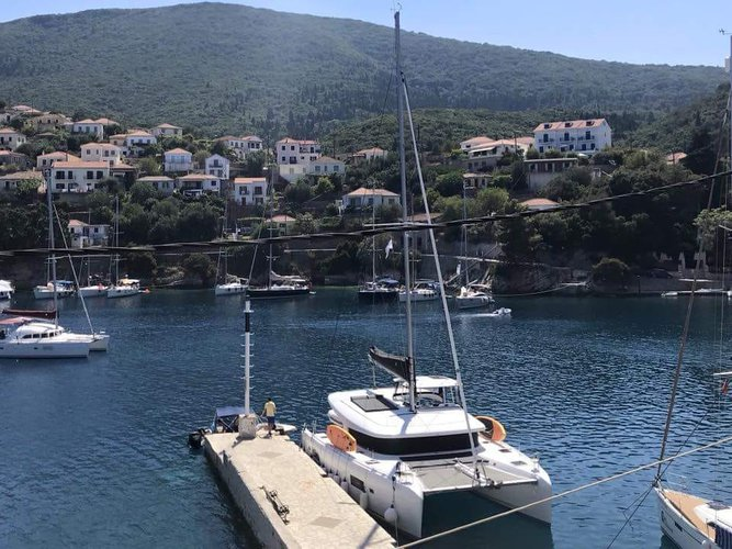 Sail the beautiful waters of Lefkada on this cozy Lagoon Lagoon 42