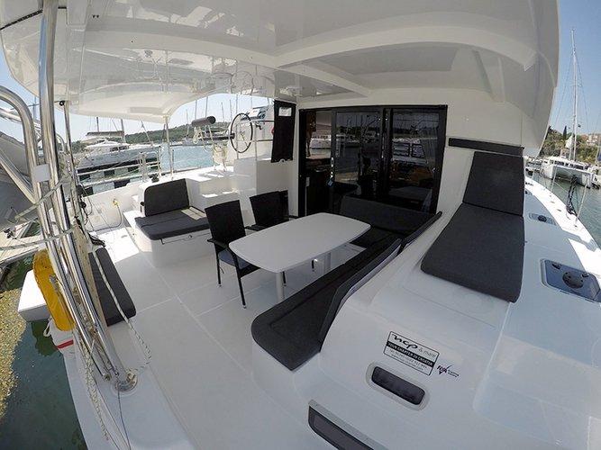 Lagoon-Beneteau boat for rent in Šibenik region