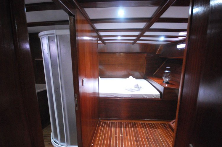 This 60.0' WOODEN cand take up to 8 passengers around Fethiye