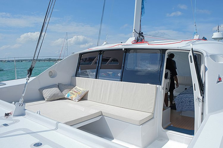This 38.0' Asia Catamarans cand take up to 12 passengers around Chalong