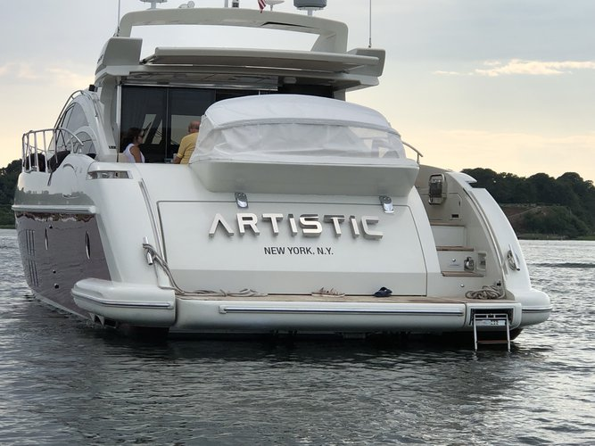 Boating is fun with a Azimut in Stuart