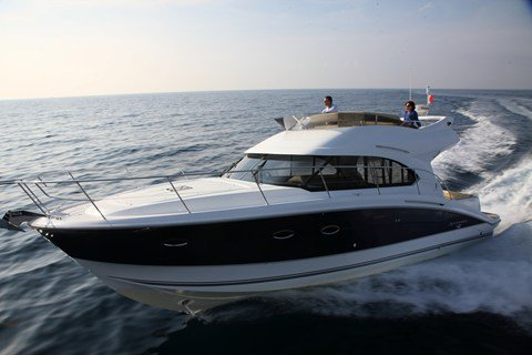 All you need to do is relax and have fun aboard the Bénéteau Antares 42