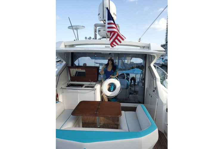 Cruiser boat rental in Sea Isle Marina, FL