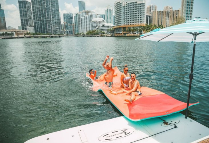Discover Miami surroundings on this Monte Carlo Beneteau boat