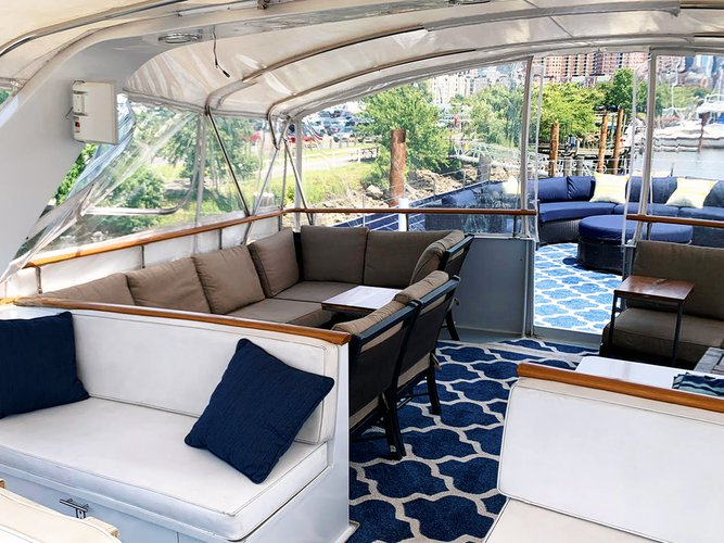 Mega yacht boat for rent in Jersey City