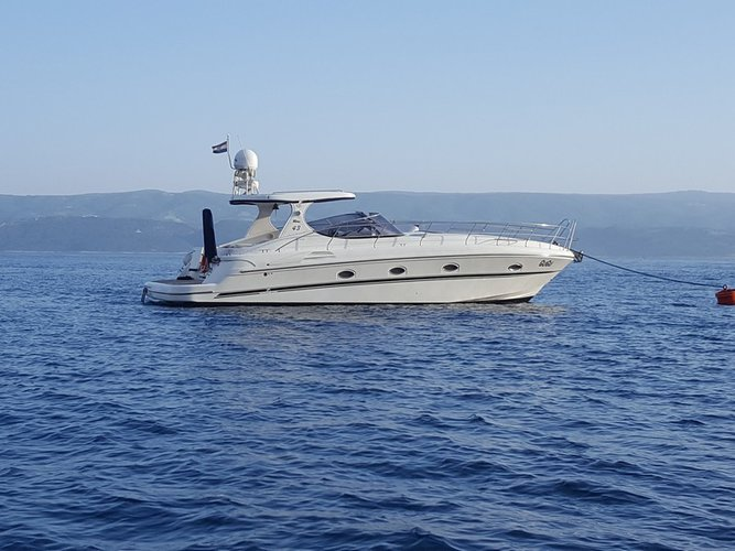 Explore Podstrana on this beautiful motor boat for rent