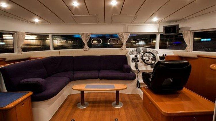 This 42.0' Lagoon-Bénéteau cand take up to 8 passengers around Split region