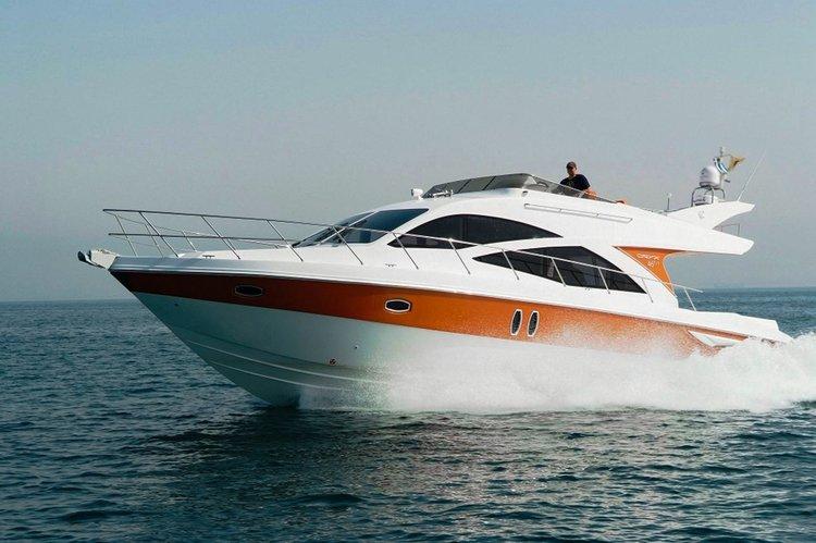 Motor yacht boat rental in Heraklion Port, Greece