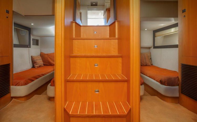 Discover Heraklion surroundings on this 46 Fly Oryx boat