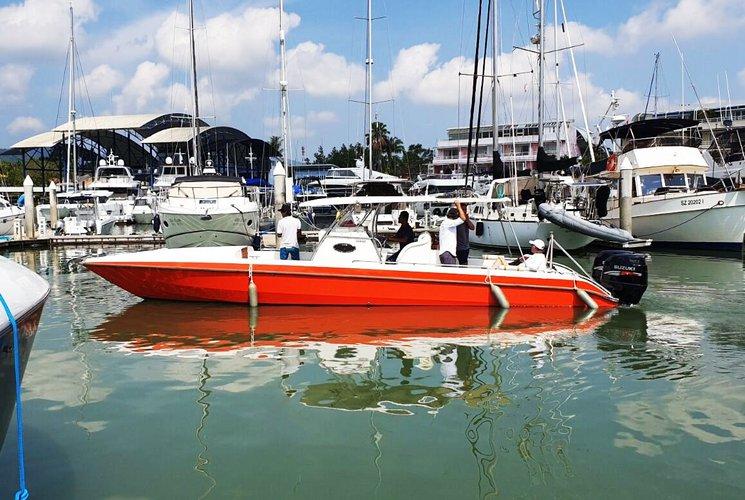 Cruiser boat for rent in Phuket