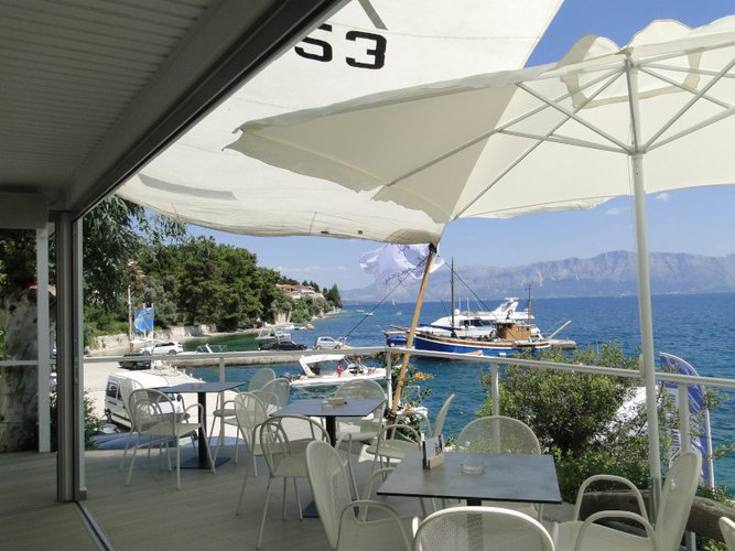 Discover Lafkada surroundings on this 46 Holiday Bavaria Yachtbau boat
