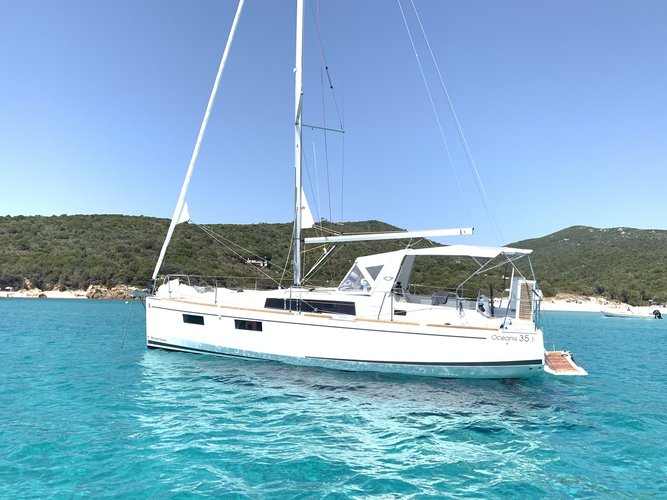 Charter this amazing sailboat in Cannigione