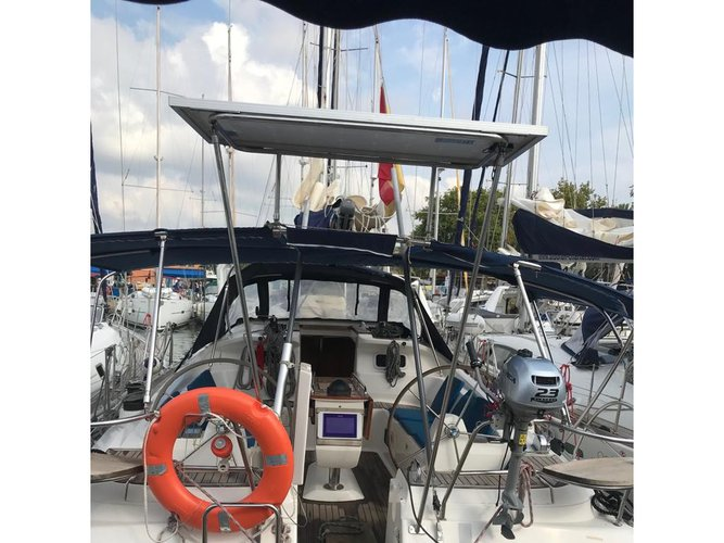 Discover Las Galletas in style boating on this sailboat rental