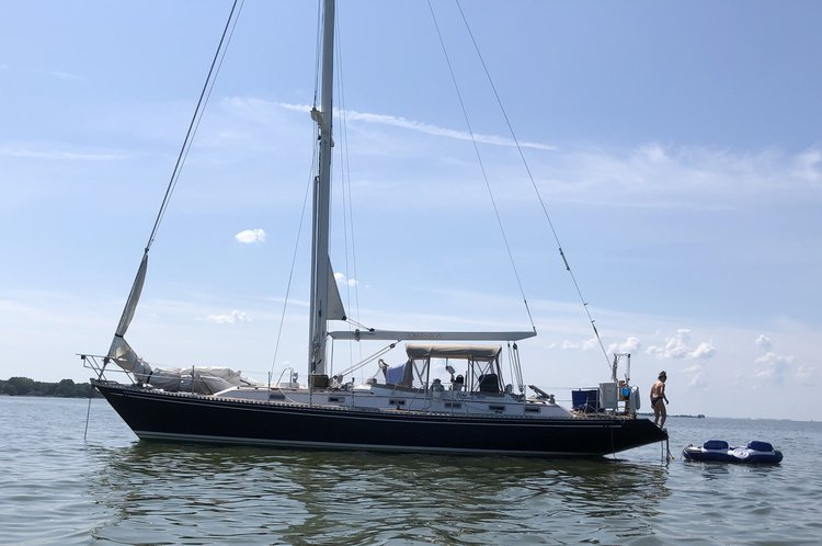 "Classic Hylas 44 with ""sugar scoop"""