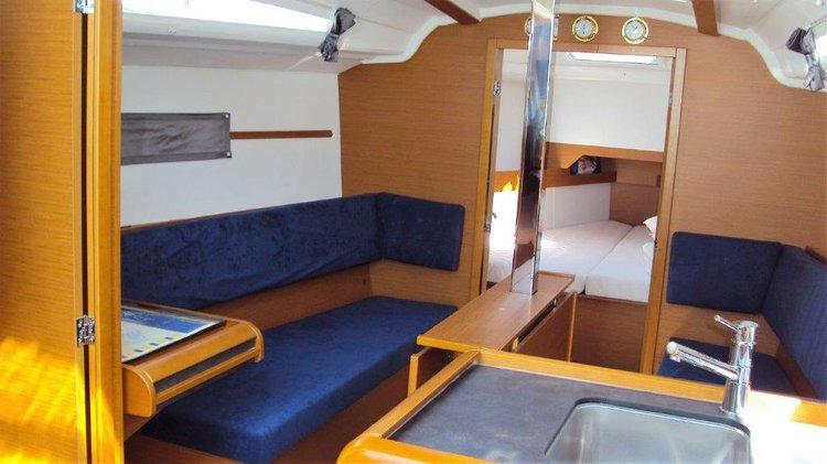 Boat for rent Jeanneau 33.0 feet in ACI Marina Rovinj, Croatia