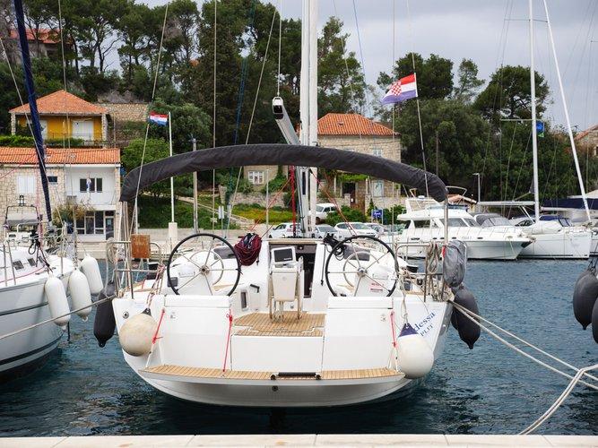 Boat for rent Jeanneau 43.0 feet in Split region, Croatia