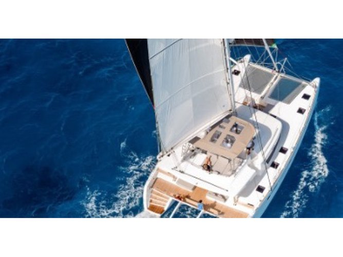 Hop aboard this amazing sailboat rental in San Felice Circeo!