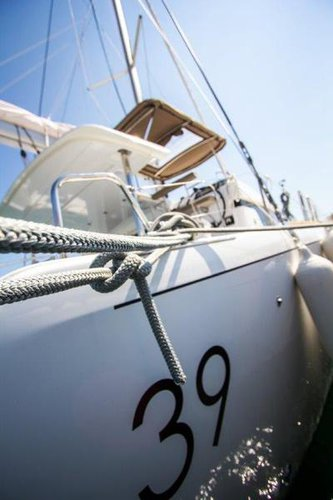 Discover Split region surroundings on this Lagoon 39 Lagoon-Bénéteau boat