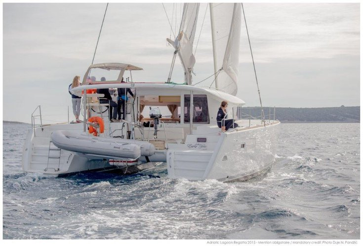 Catamaran boat rental in Marina Nava, Split,