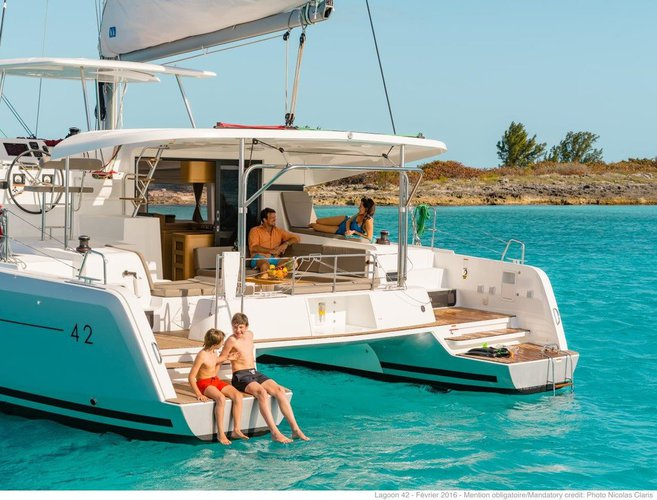 This 41.0' Lagoon-Bénéteau cand take up to 8 passengers around Dubrovnik region