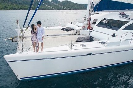 Discover Chonburi surroundings on this Outremer Outremer boat