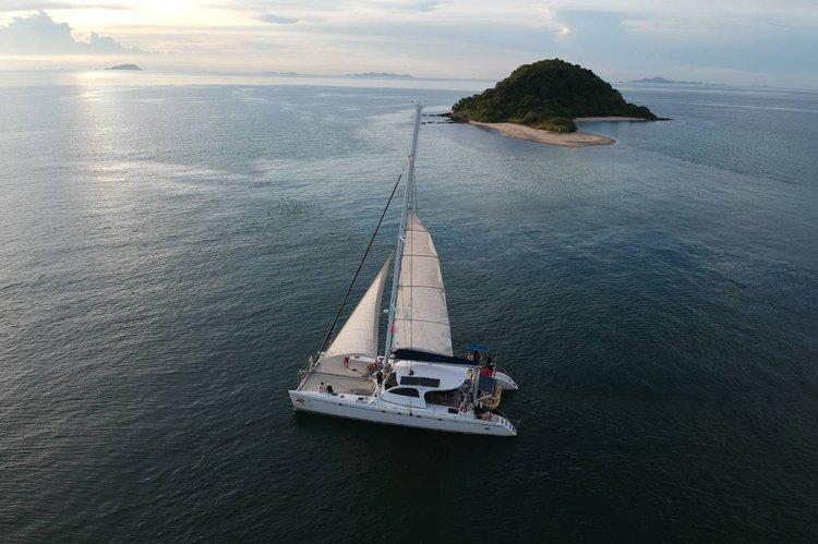 Beautiful 65 ft Catamaran for rent