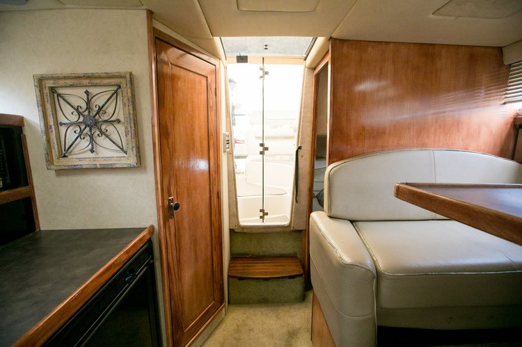 Cruiser boat for rent in San Carlos
