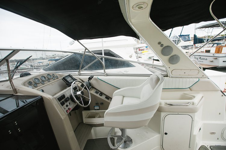 Up to 15 persons can enjoy a ride on this Cruiser boat