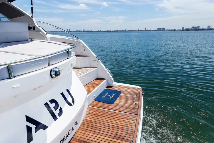 Discover Miami surroundings on this Grand Turismo Beneteau boat