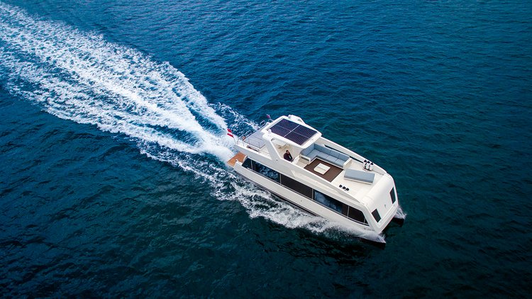 Boating is fun with a Flybridge in Phuket