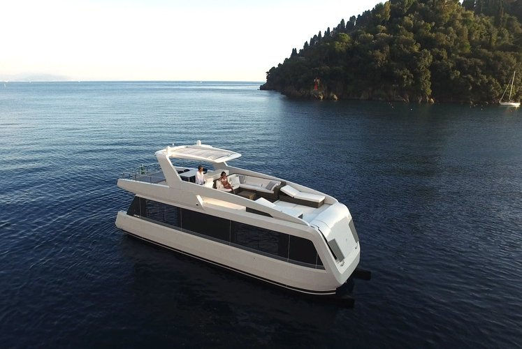 Discover Phuket surroundings on this Power Cat Custom boat