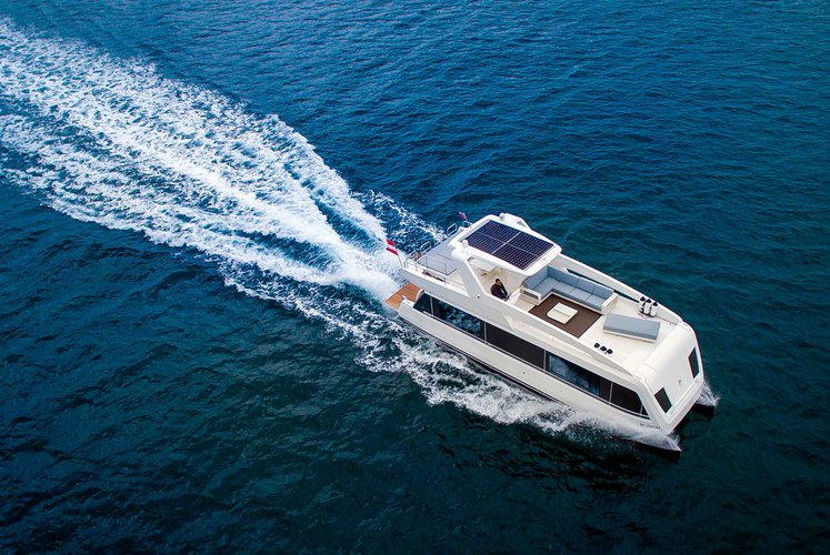 Flybridge boat for rent in Phuket