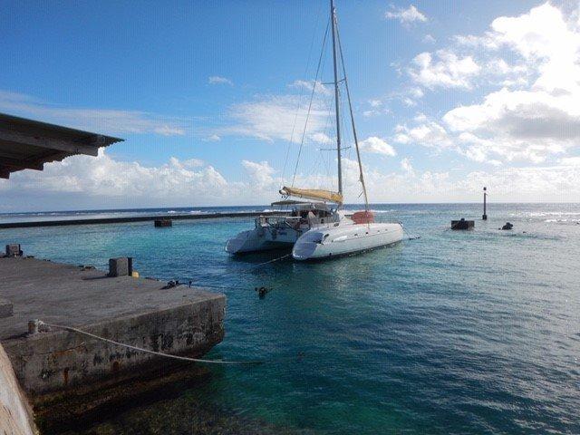 This 46.0' BAHIA cand take up to 8 passengers around Papeete, Tahiti
