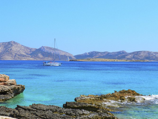 Boat for rent Bavaria 47.0 feet in Paros, Greece
