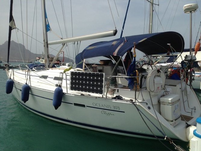Experience Sao Vicente, CV on board this amazing Beneteau Oceanis 393