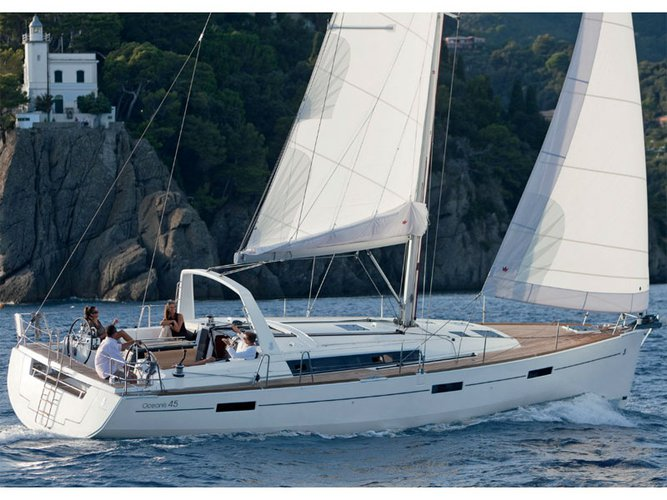 Enjoy luxury and comfort on this Beneteau Oceanis 45 in Pomer