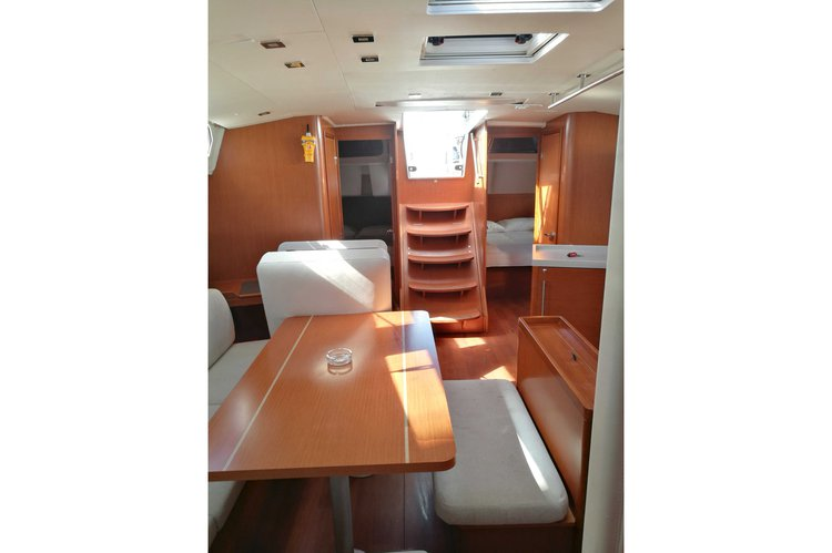 Boat for rent Beneteau 46.0 feet in Lavrio, Greece