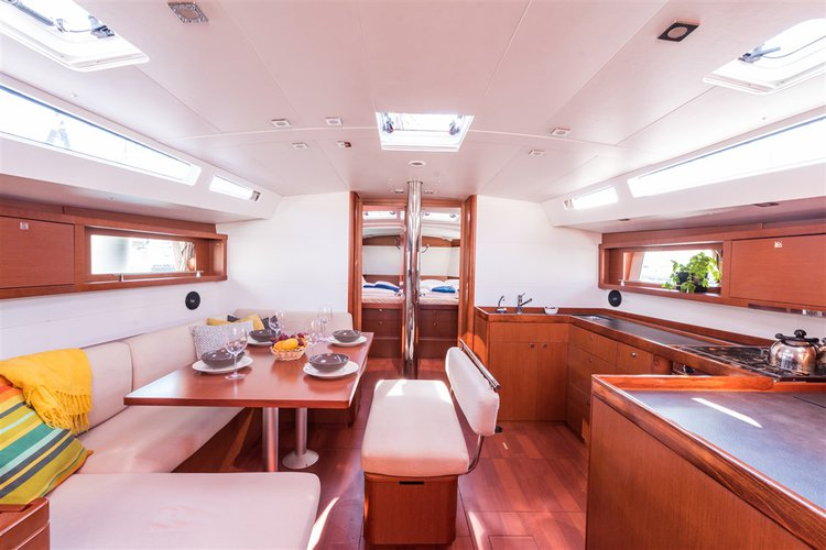 Discover Split region surroundings on this Oceanis 48 Bénéteau boat