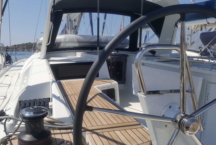 Discover Lavrio surroundings on this Oceanis 51.1 Beneteau boat