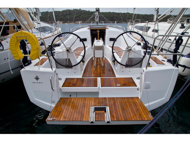Charter this amazing Jeanneau Sun Odyssey 349 in Pula, HR
