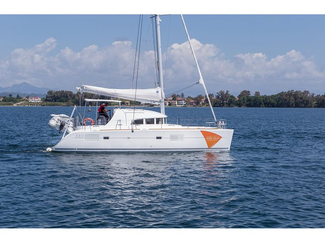 Sail the beautiful waters of Preveza on this cozy Lagoon Lagoon 380
