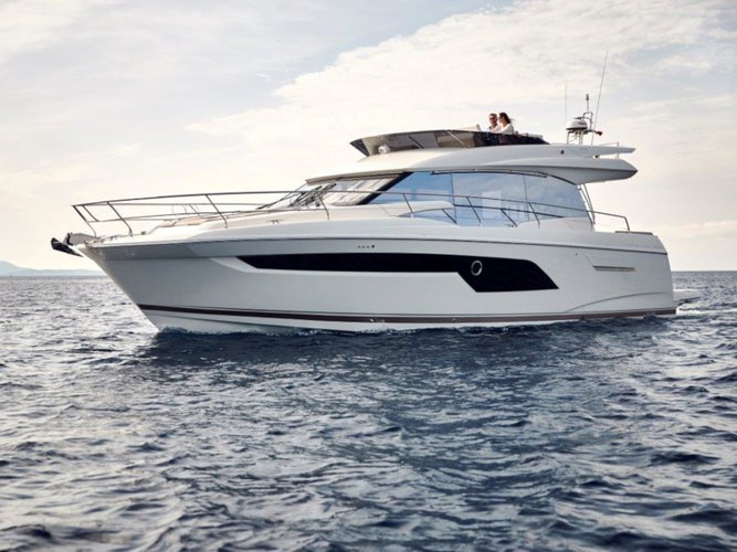 Experience Podstrana, HR on board this amazing  Prestige 520 Fly