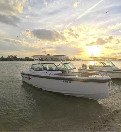 Discover Miami Beach surroundings on this TTS Axopar boat