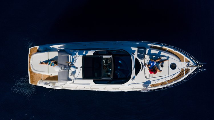 Motor Yacht Cranchi 47 feet rental on the Amalfi Coast