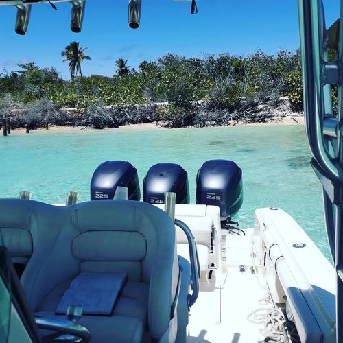 Discover Fajardo surroundings on this Custom Custom boat